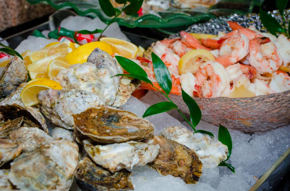 Oysters and Shrimp Hors D'oeuvre - Catering by Seasons at Visarts Rockville